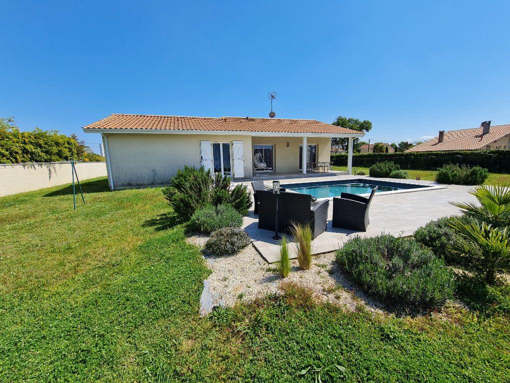 Maison à vendre 6 116.31m2 à Gaillères vignette-1