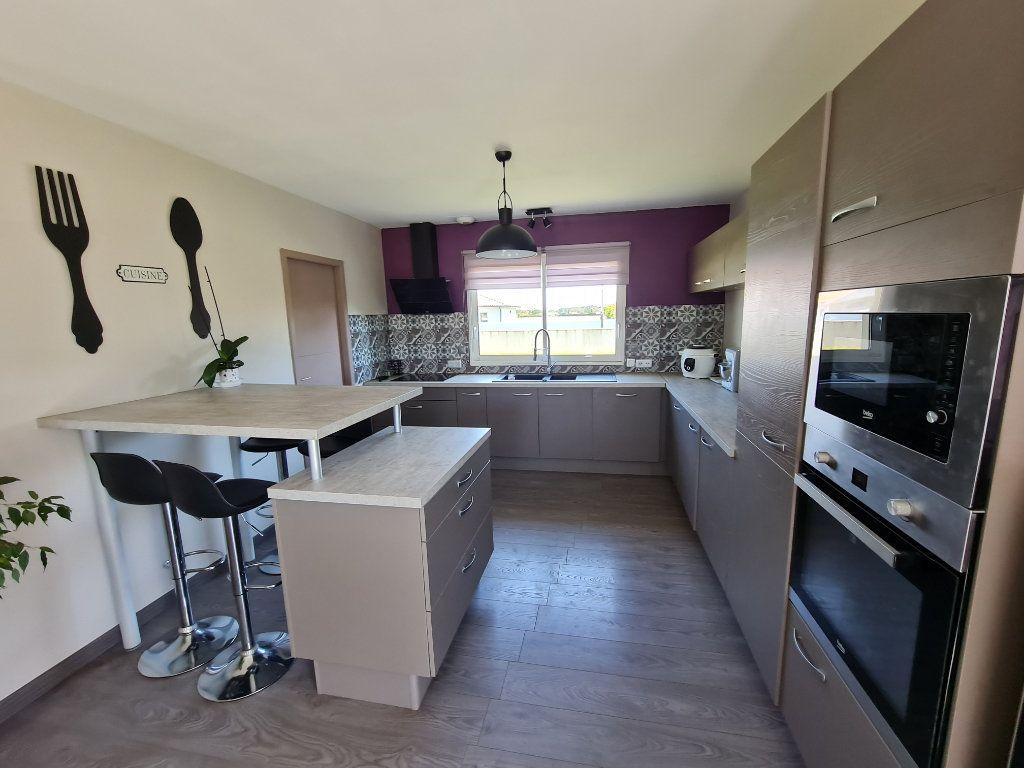 Maison à vendre 6 116.31m2 à Gaillères vignette-10