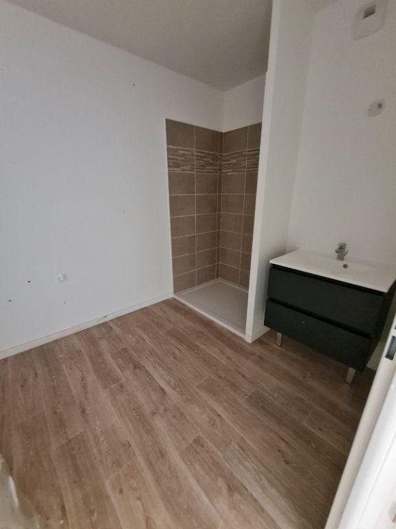 Appartement à louer 2 40.48m2 à Saint-Pierre-du-Mont vignette-3