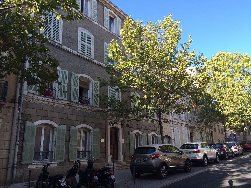 Appartement à louer 2 39.68m2 à Ollioules vignette-1