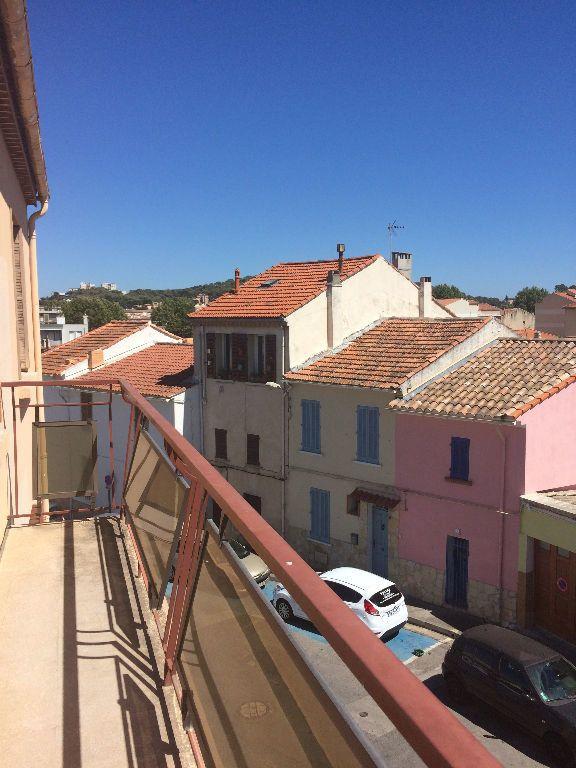 Appartement à louer 2 30.86m2 à La Seyne-sur-Mer vignette-2
