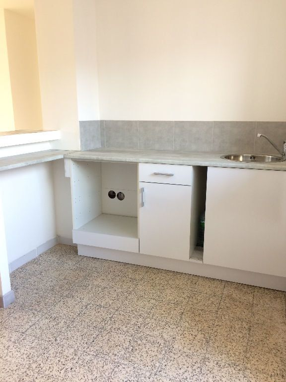 Appartement à louer 3 53.08m2 à Toulon vignette-1