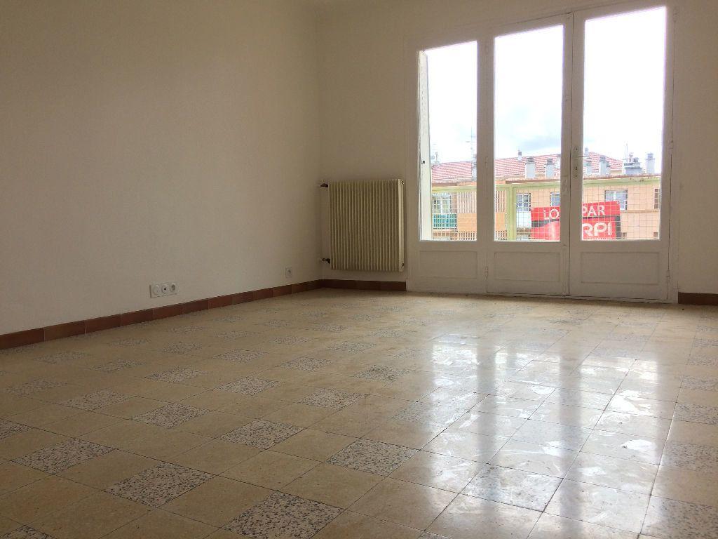 Appartement à louer 3 53.08m2 à Toulon vignette-2