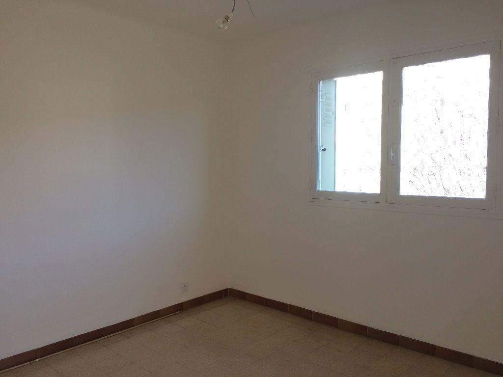 Appartement à louer 3 53.08m2 à Toulon vignette-3