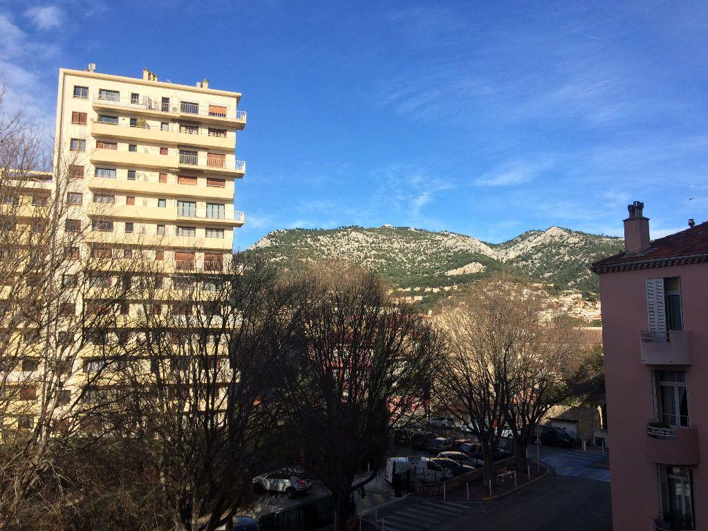 Appartement à louer 3 53.08m2 à Toulon vignette-4