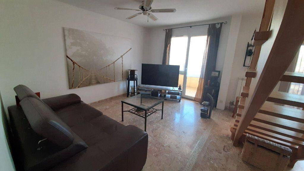 Appartement à vendre 4 52.45m2 à Ollioules vignette-3