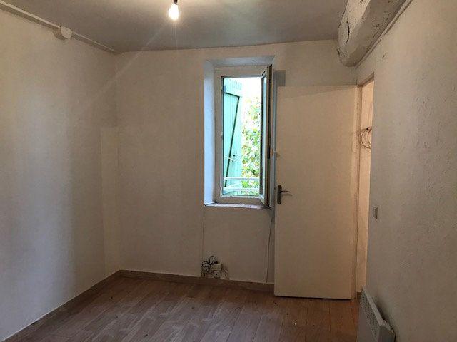 Appartement à louer 1 30m2 à Ollioules vignette-3