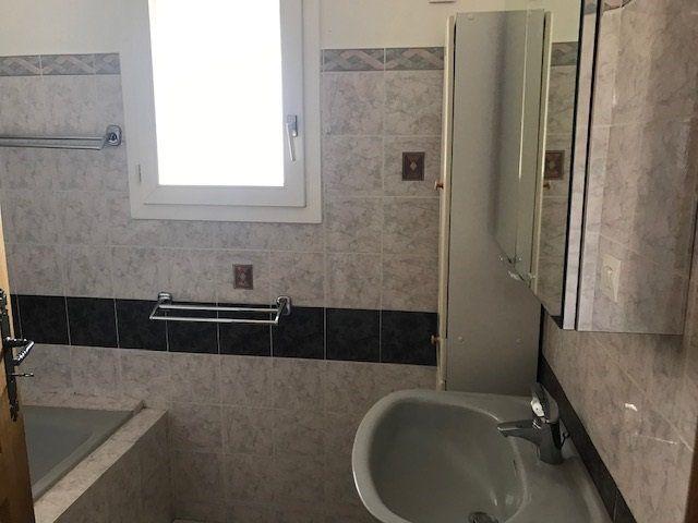 Appartement à louer 3 57m2 à Ollioules vignette-5
