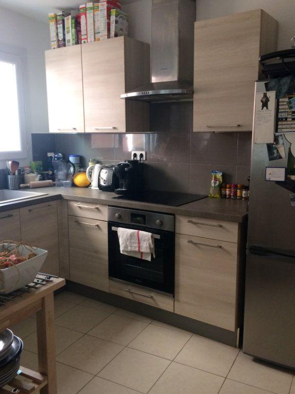 Appartement à louer 2 45.56m2 à Sanary-sur-Mer vignette-2