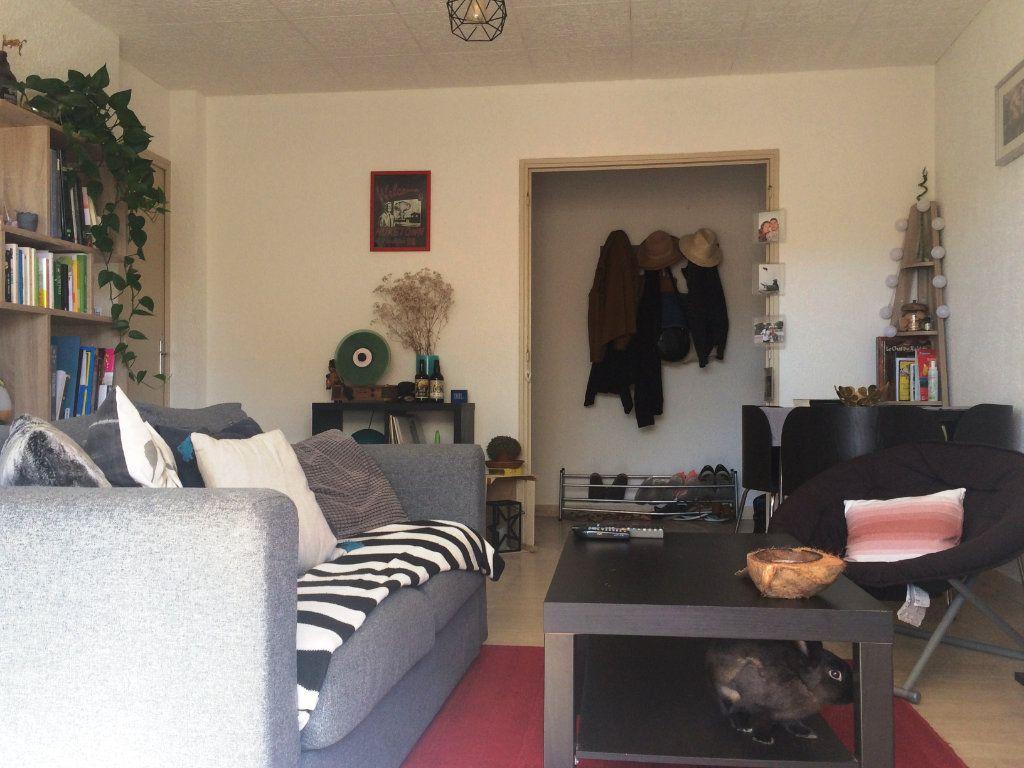 Appartement à louer 2 45.56m2 à Sanary-sur-Mer vignette-5
