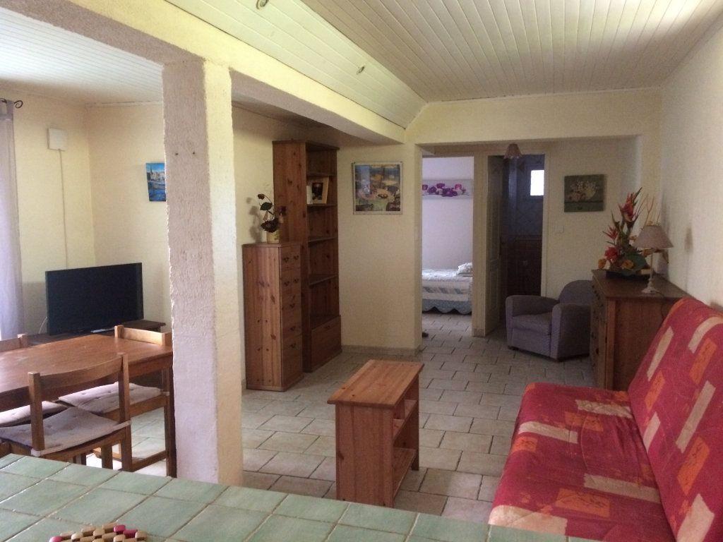Appartement à louer 2 45m2 à Sanary-sur-Mer vignette-1
