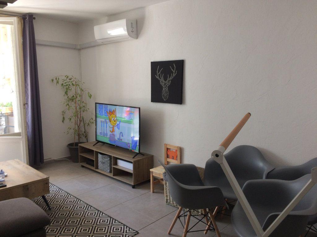 Appartement à louer 2 47.85m2 à Toulon vignette-2