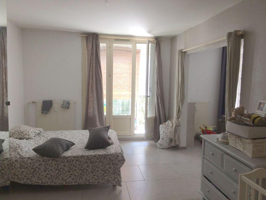 Appartement à louer 2 47.85m2 à Toulon vignette-3