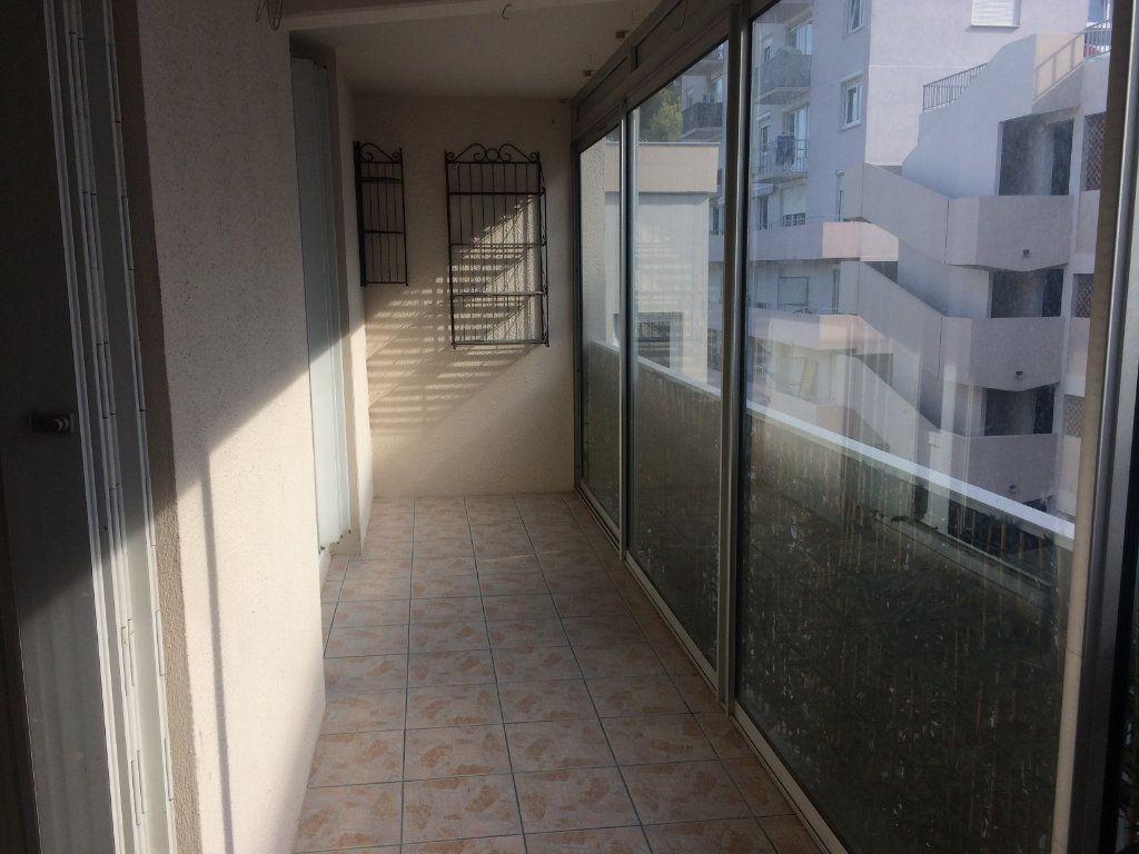Appartement à louer 2 47.85m2 à Toulon vignette-7