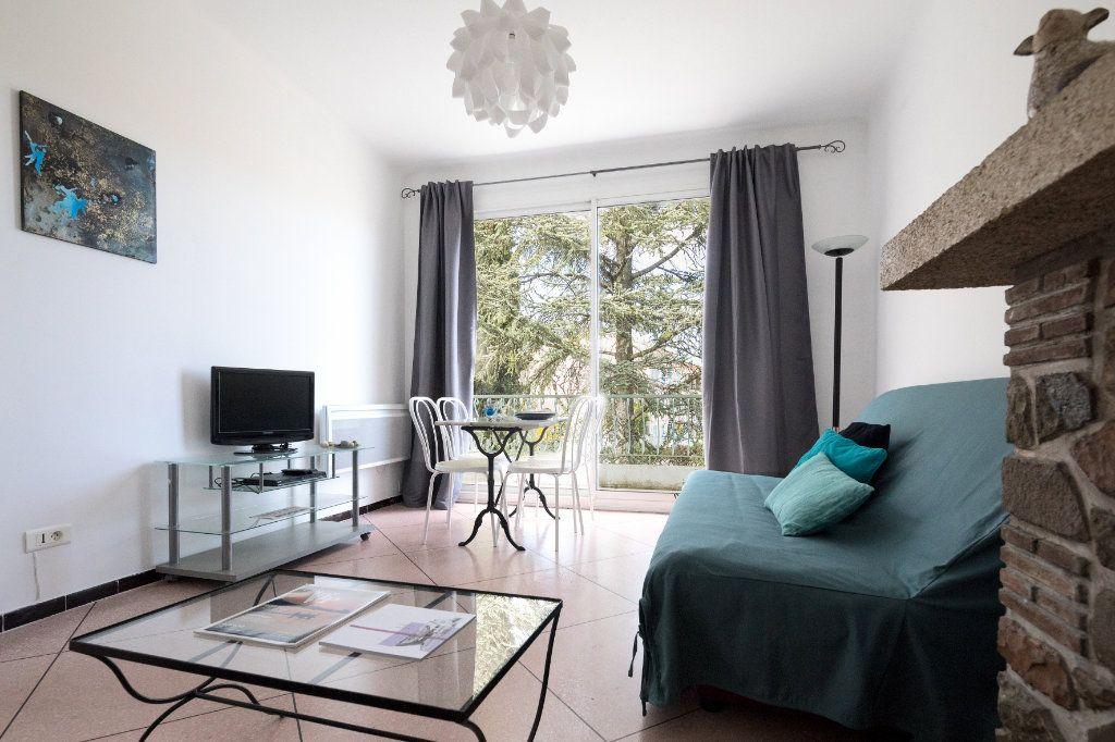 Appartement à louer 2 44m2 à Le Beausset vignette-1