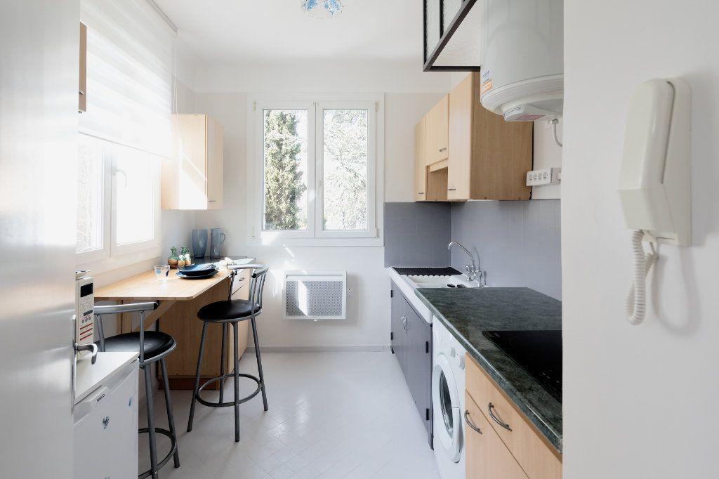 Appartement à louer 2 44m2 à Le Beausset vignette-3