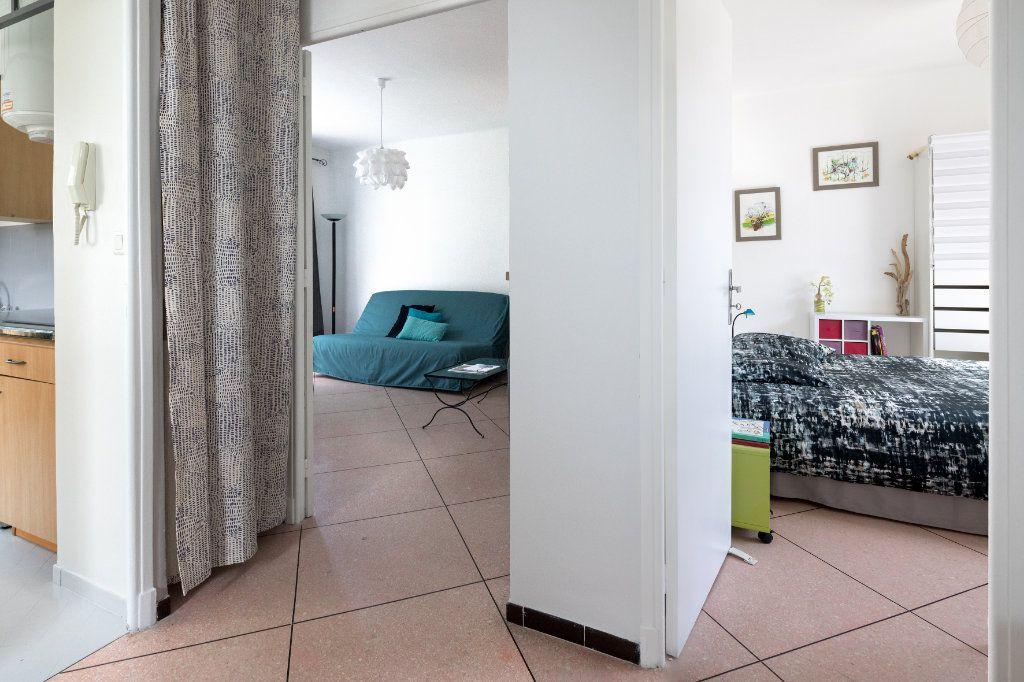Appartement à louer 2 44m2 à Le Beausset vignette-4