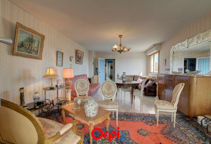 Appartement à vendre 3 63m2 à Six-Fours-les-Plages vignette-3