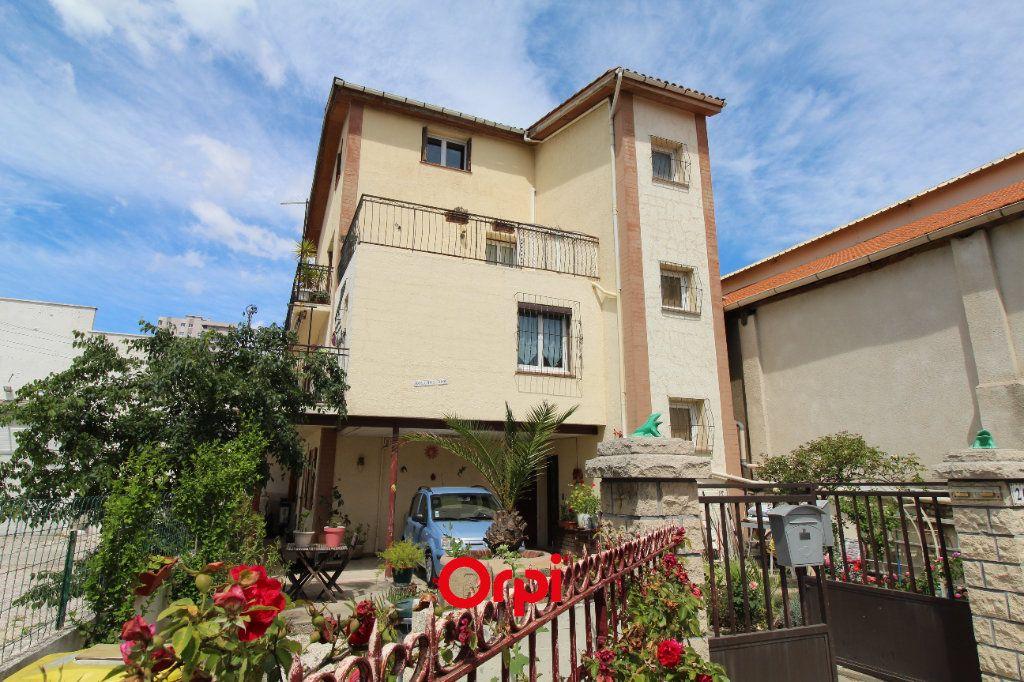 Maison à vendre 7 191.83m2 à La Seyne-sur-Mer vignette-1