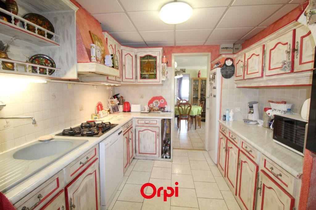 Maison à vendre 7 191.83m2 à La Seyne-sur-Mer vignette-6