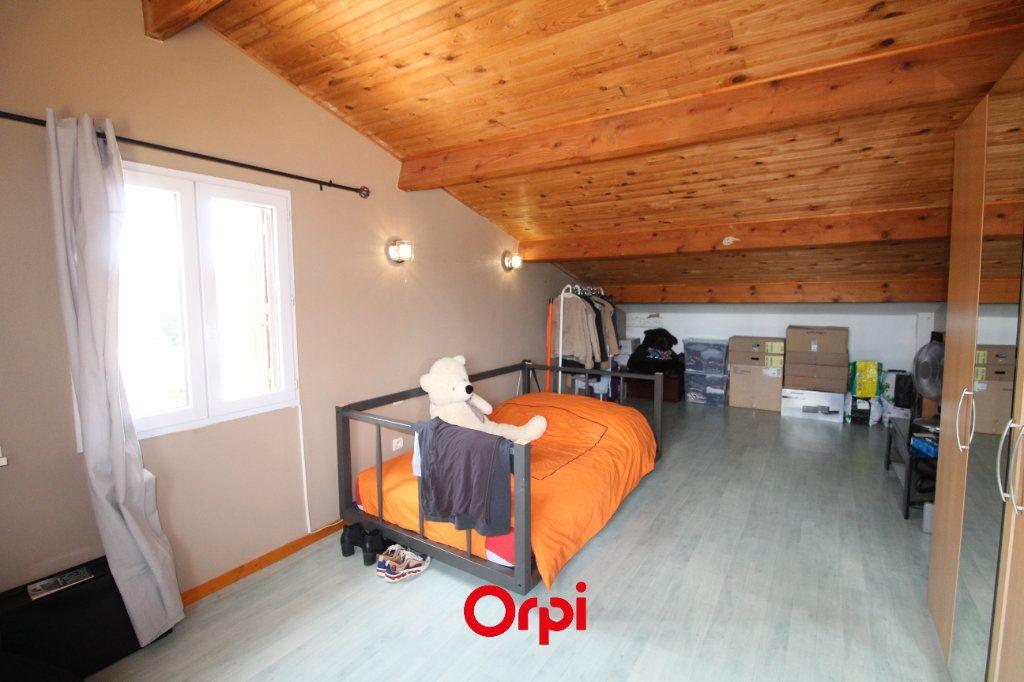 Maison à vendre 7 191.83m2 à La Seyne-sur-Mer vignette-10