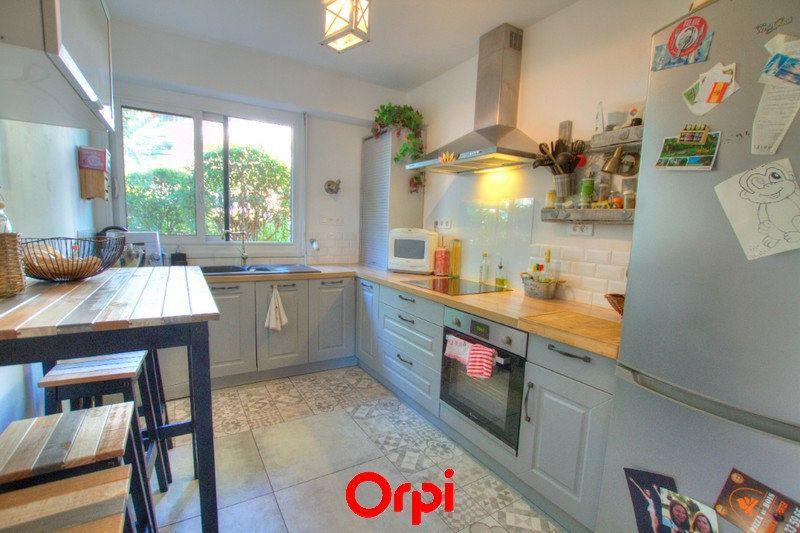 Appartement à vendre 3 81m2 à La Seyne-sur-Mer vignette-2