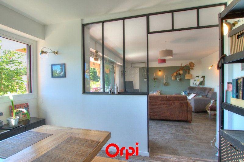Appartement à vendre 3 81m2 à La Seyne-sur-Mer vignette-3