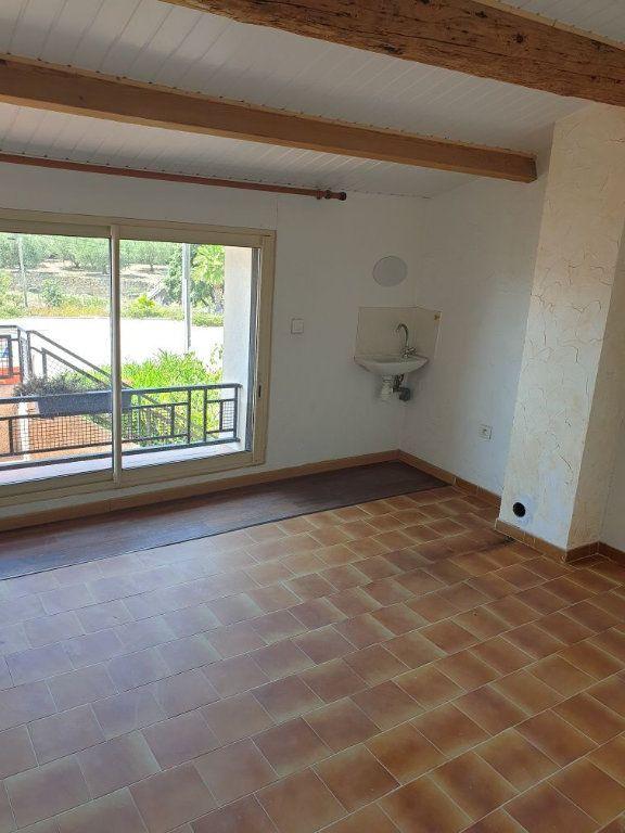Appartement à louer 4 84.05m2 à Saint-Cyr-sur-Mer vignette-2