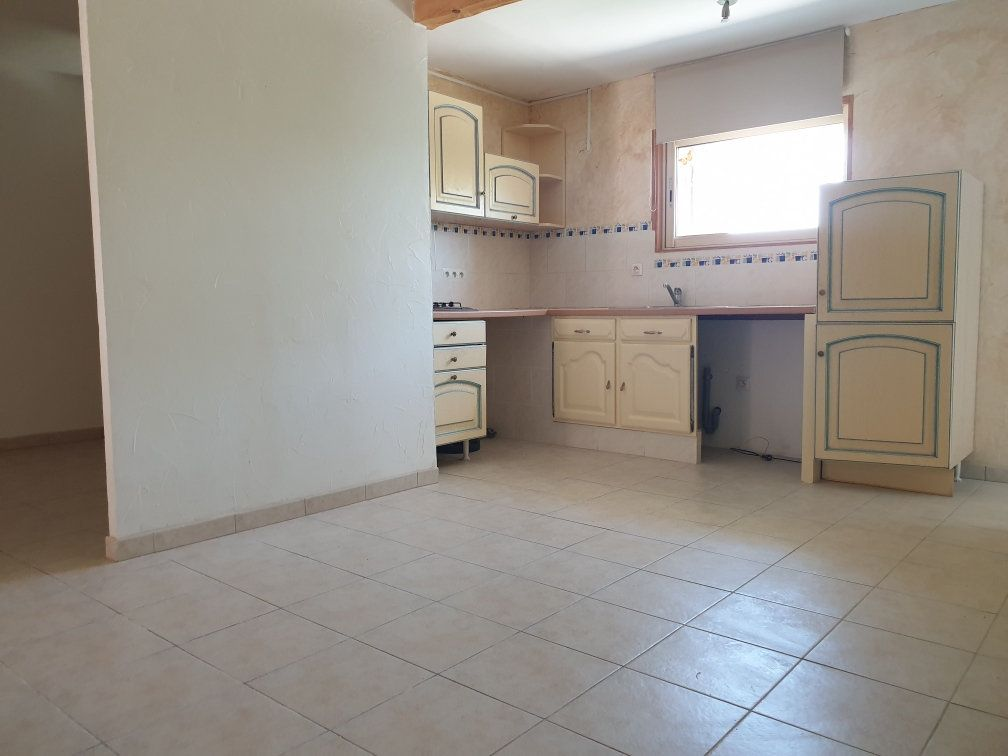 Appartement à louer 4 84.05m2 à Saint-Cyr-sur-Mer vignette-3