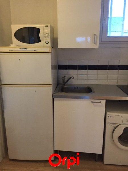 Appartement à vendre 1 18m2 à Sanary-sur-Mer vignette-4