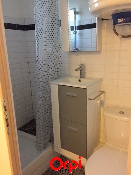 Appartement à vendre 1 18m2 à Sanary-sur-Mer vignette-6