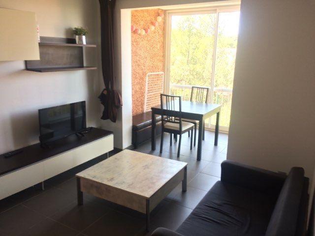 Appartement à louer 2 29m2 à La Seyne-sur-Mer vignette-1