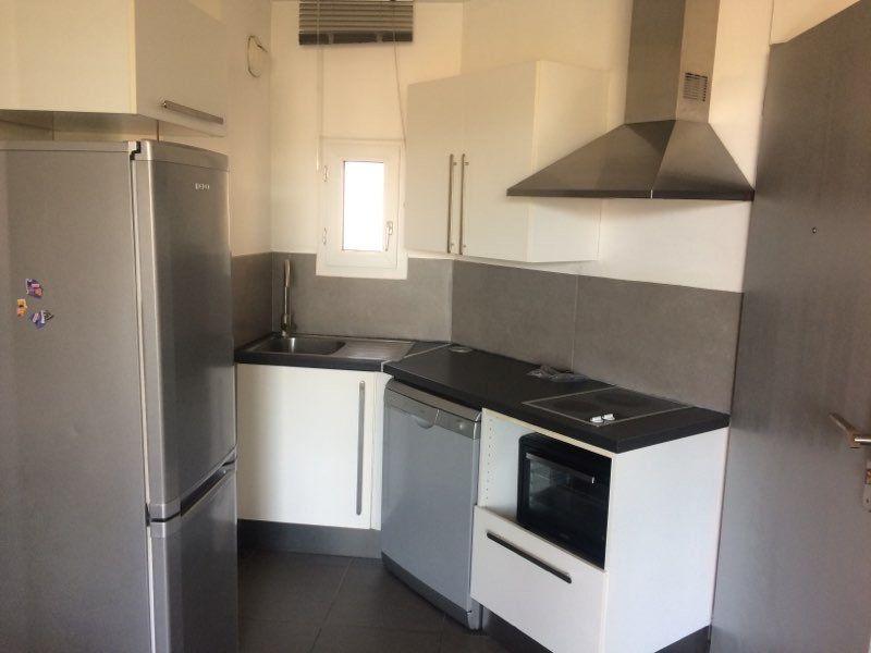 Appartement à louer 2 29m2 à La Seyne-sur-Mer vignette-2