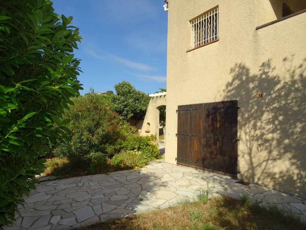 Maison à vendre 6 142m2 à Sanary-sur-Mer vignette-2