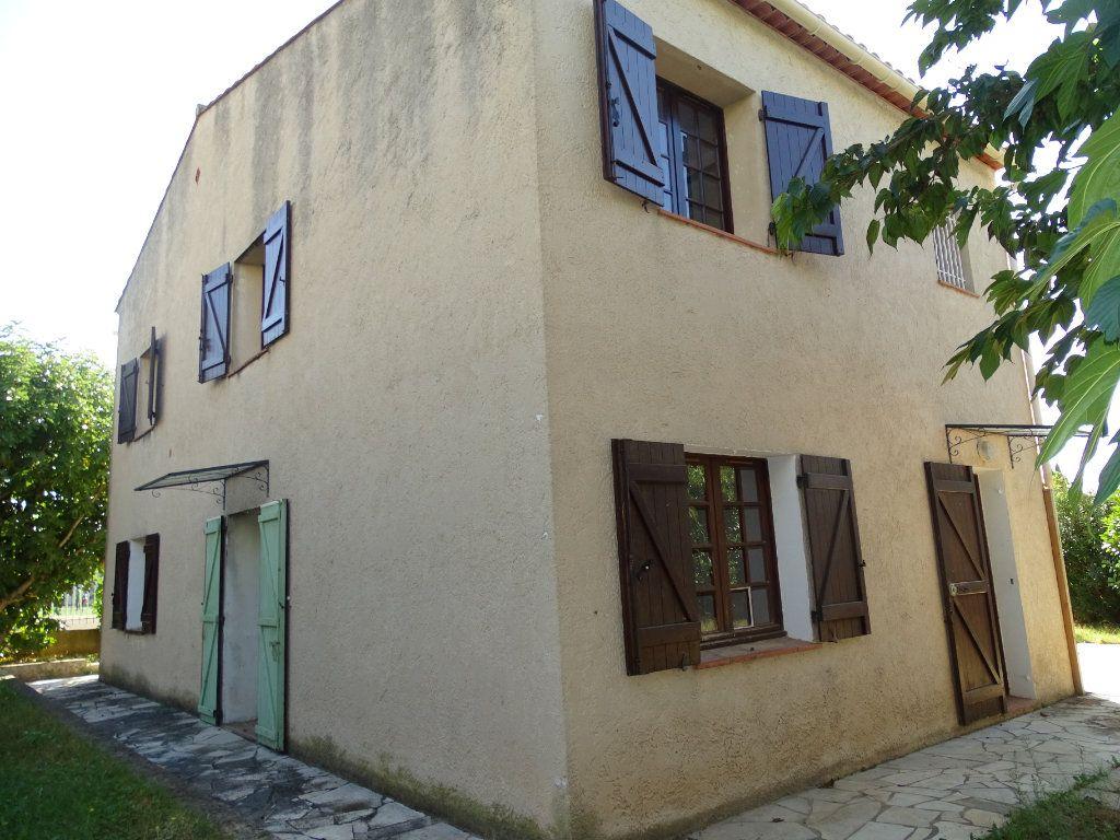 Maison à vendre 6 142m2 à Sanary-sur-Mer vignette-3