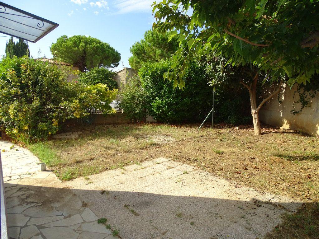 Maison à vendre 6 142m2 à Sanary-sur-Mer vignette-6