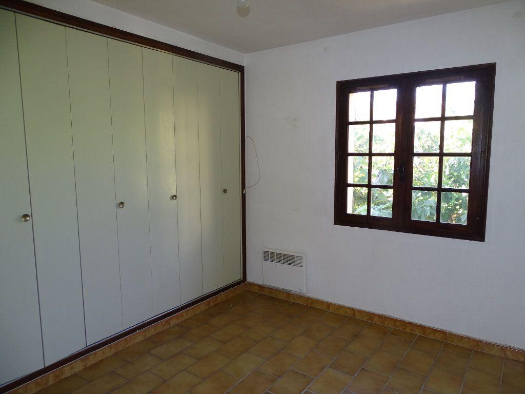 Maison à vendre 6 142m2 à Sanary-sur-Mer vignette-10