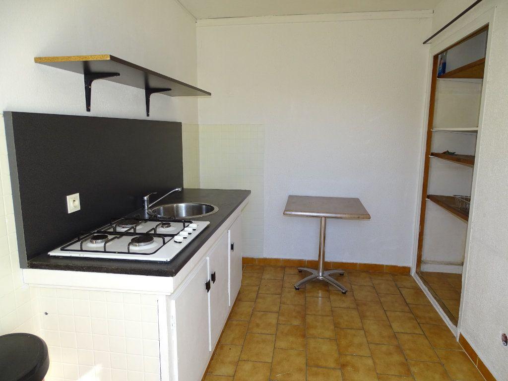 Maison à vendre 6 142m2 à Sanary-sur-Mer vignette-14