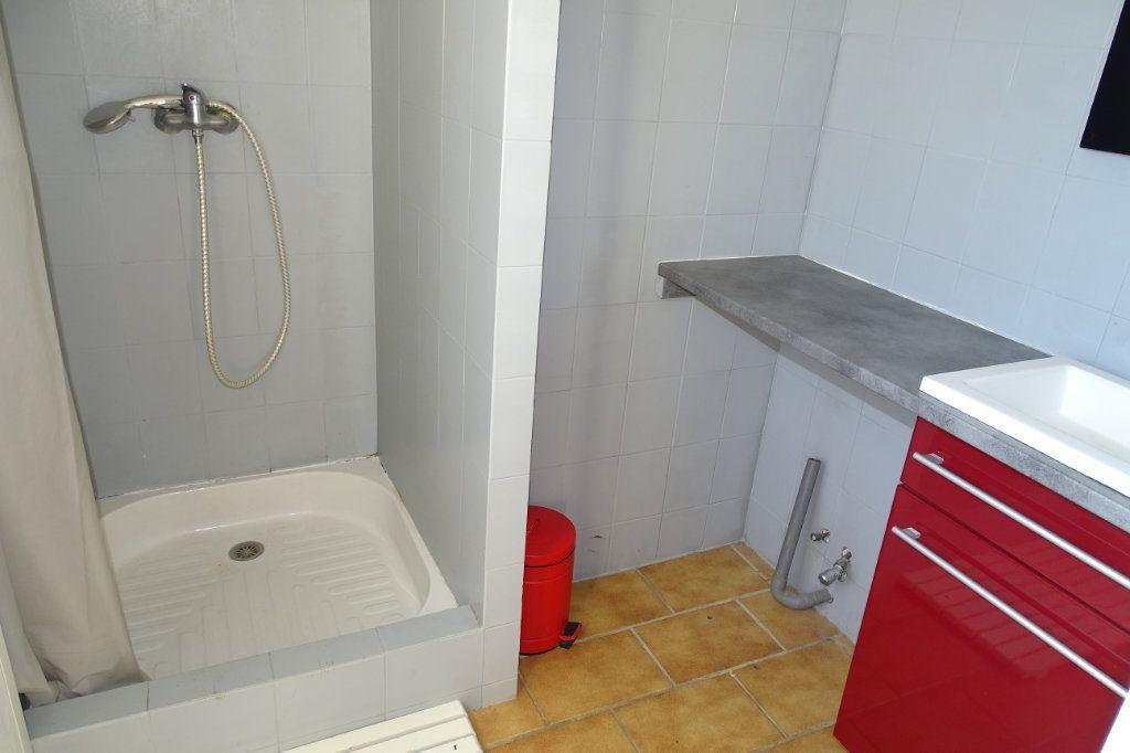 Maison à vendre 6 142m2 à Sanary-sur-Mer vignette-15