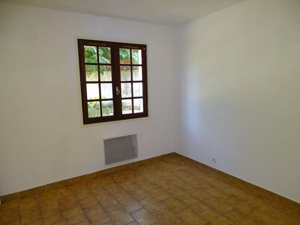 Maison à vendre 6 142m2 à Sanary-sur-Mer vignette-18
