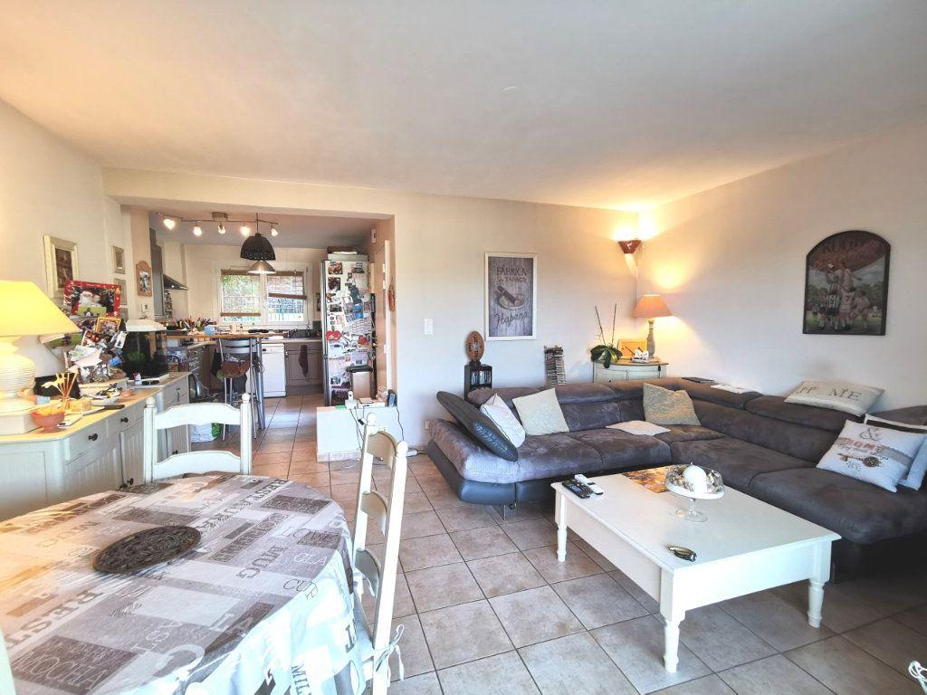 Appartement à vendre 4 73.59m2 à Ollioules vignette-4