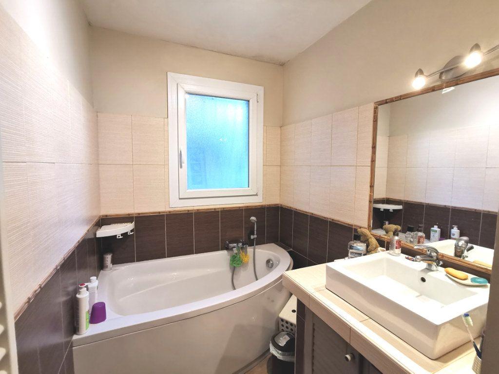 Appartement à vendre 4 73.59m2 à Ollioules vignette-6