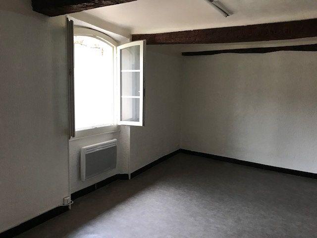 Appartement à louer 1 26m2 à Le Beausset vignette-1