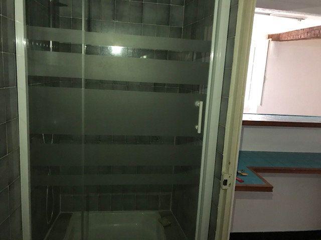 Appartement à louer 1 26m2 à Le Beausset vignette-5