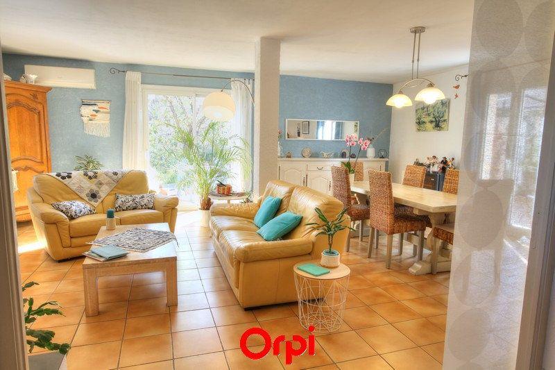 Maison à vendre 5 120m2 à Sanary-sur-Mer vignette-2