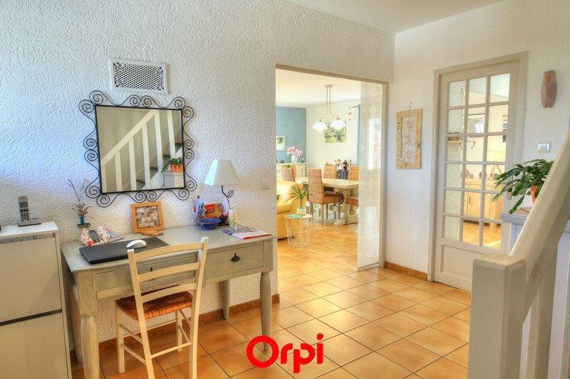 Maison à vendre 5 120m2 à Sanary-sur-Mer vignette-6