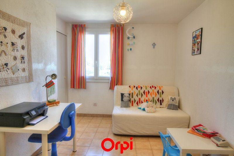 Maison à vendre 5 120m2 à Sanary-sur-Mer vignette-9