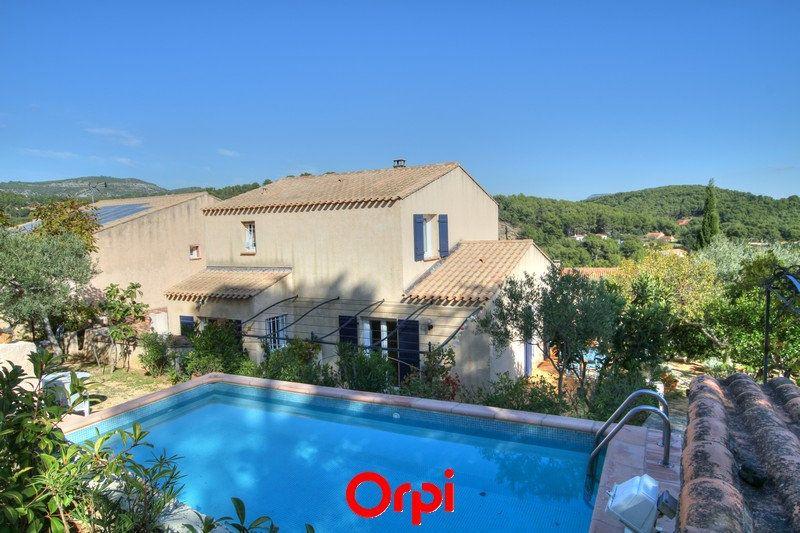Maison à vendre 5 120m2 à Sanary-sur-Mer vignette-14