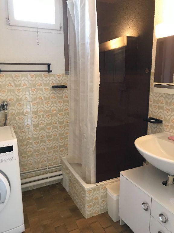 Appartement à louer 1 22.48m2 à Saint-Cyr-sur-Mer vignette-5