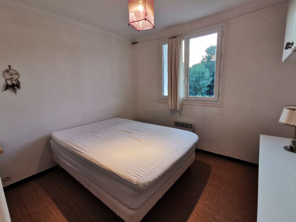 Appartement à vendre 2 27m2 à La Seyne-sur-Mer vignette-4